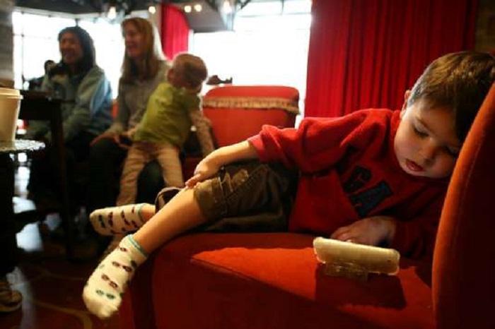 L'addiction des enfants aux iPhone, comparable à «la malbouffe»