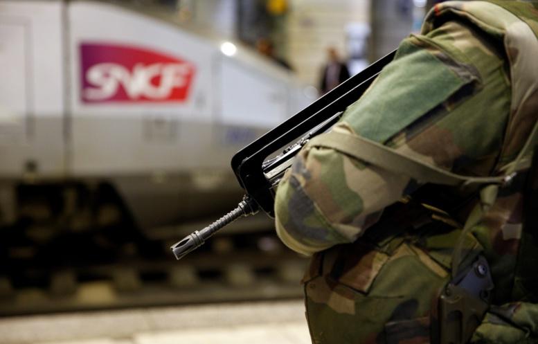 Lyon: La militaire qui s'était tiré une balle dans la tête est décédée