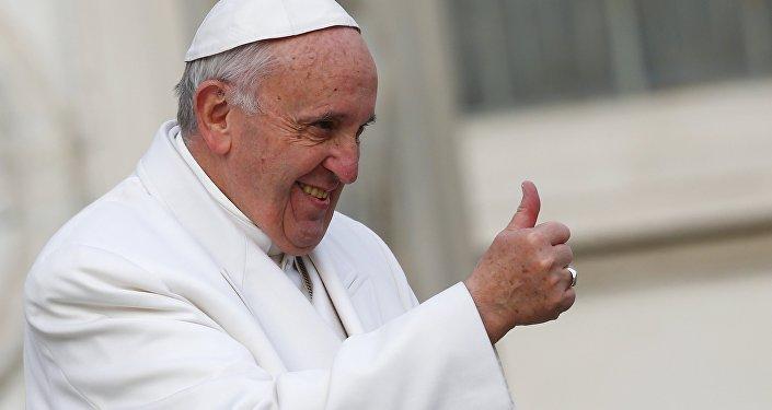 Quel est salaire du Pape ?