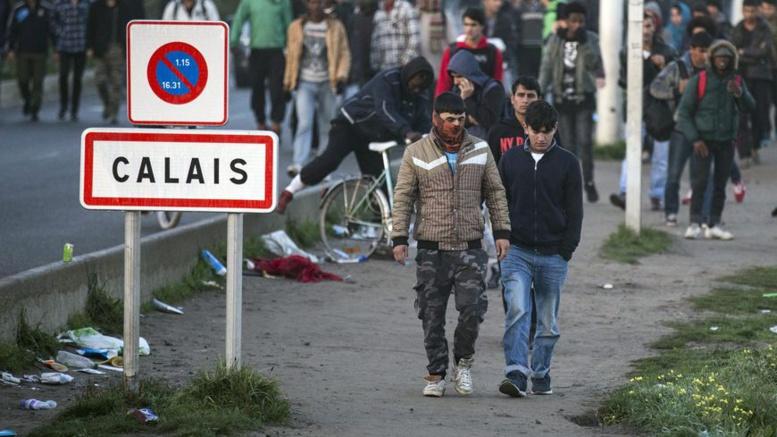 France : Trois migrants blessés par balle lors d'une bagarre à Calais