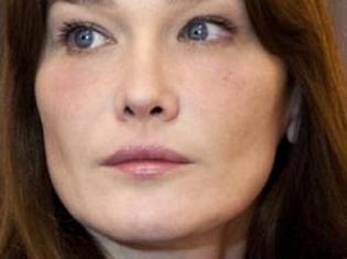 Carla Bruni-Sarkozy tente de désamorcer les rumeurs sur son couple.