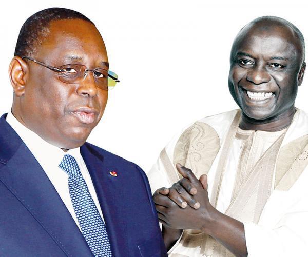 Idrissa Seck défie le Président Macky Sall et l'appelle à un débat public pour...