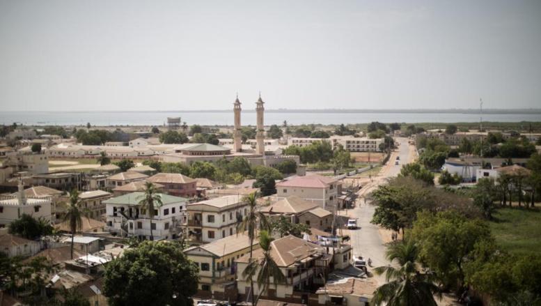Gambie: pour le jour de l'indépendance, Barrow fixe le cap de sa présidence
