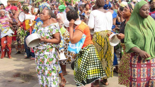 Bénin : les femmes protestent