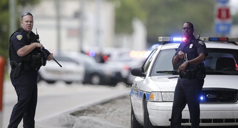 Etats-Unis: le gouverneur de Floride veut un policier dans chaque école publique