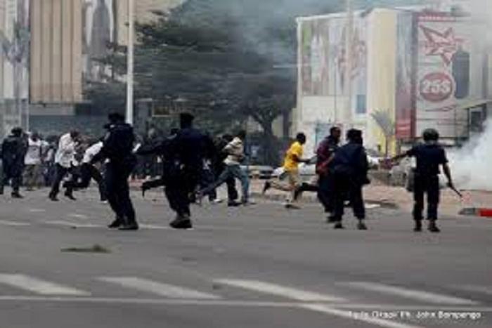 Urgent-Marche dispersée RDC : un mort à Kinshasa