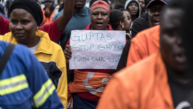 Des mineurs sud-africains en grève car une banque Gupta n'a pas pu les payer