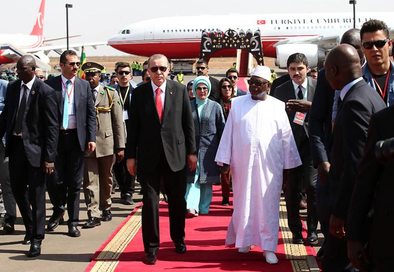 Erdogan évoque l'attaque de Ouagadougou pendant l'étape finale de sa tournée africaine au Mali
