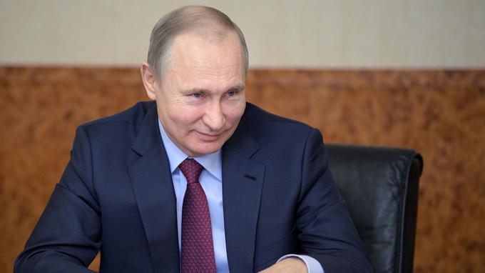 """Poutine sur les accusations d'ingérence dans les élections américaines : """"Je m'en fiche"""""""