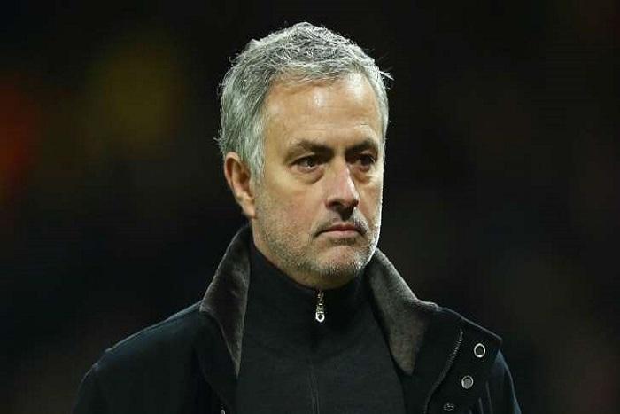 Manchester United, la presse accable Mourinho après l'élimination face à Séville
