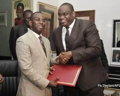 Me Wade autorise le démarrage de la télé de Youssou Ndour.