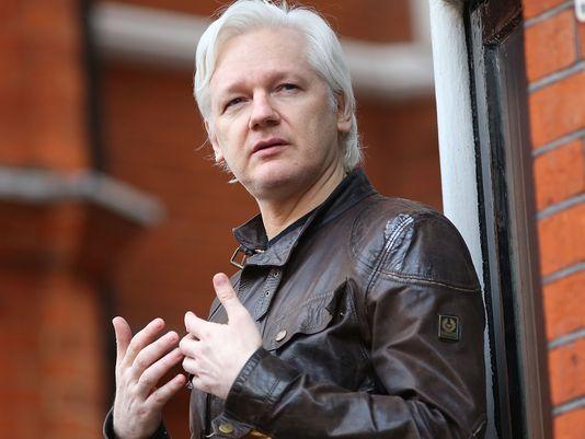 Bloqué à l'ambassade à Londres, Julian Assange désormais privé d'internet