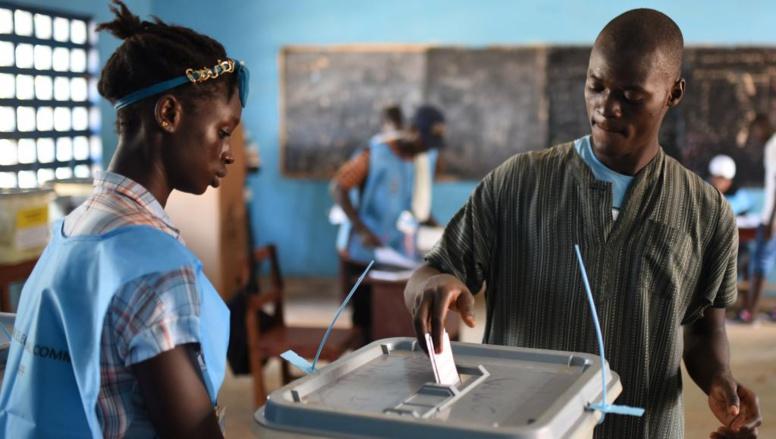 Présidentielle au Sierra Leone: le second tour s'annonce très indécis