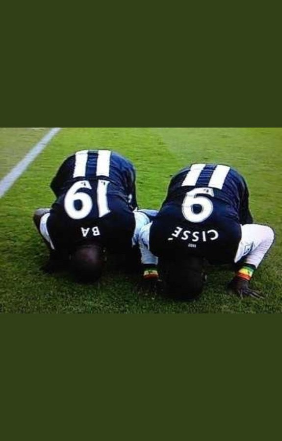 Meilleur Buteur sénégalais de Premier League : Le geste de classe de Demba Ba à l'endroit de Sadio Mané