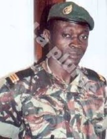 Centrafrique : quand le boucher de Paoua, Eugène Ngaïkoisset, dans son business, menace de tuer un agent des Finances.