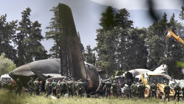 Crash d'un avion militaire en Algérie: un deuil national de trois jours décrété