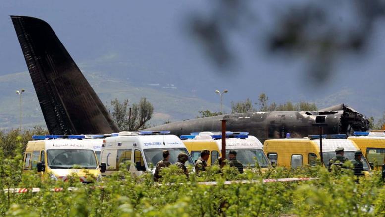 Algérie: les médecins reprennent leur grève suspendue après le crash d'un avion