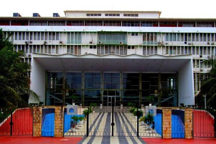 """Assemblée nationale: un """"combat de boxe"""" entre députés évité de justesse"""