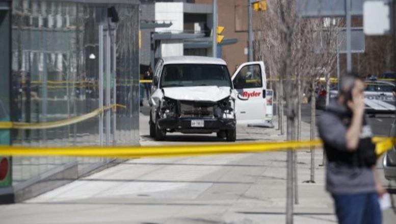 Canada : la camionnette qui a foncé sur les piétons a fait 10 morts