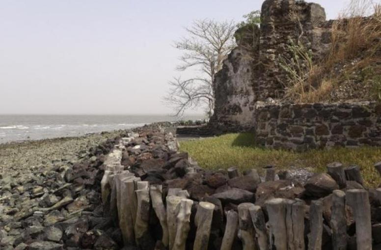 Esclavage: en Gambie, l'île Kunta Kinteh menacée par l'érosion