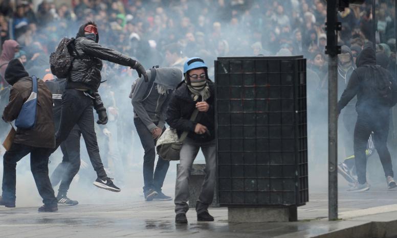 Défilé du 1er mai dans la violence à Paris