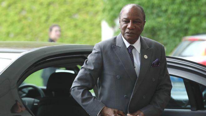 """Alpha Condé se """"défend"""" dans l'affaire Bolloré"""