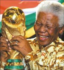 Mondial 2010: Mandela apporte son soutien au Ghana