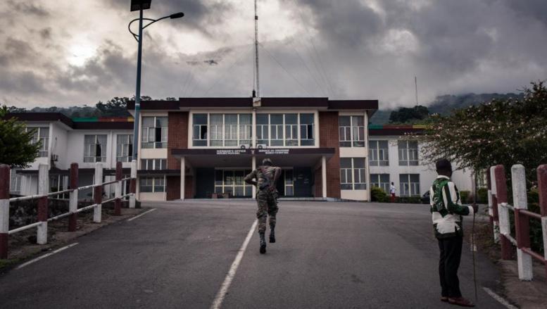Crise au Cameroun anglophone: un général de l'armée limogé