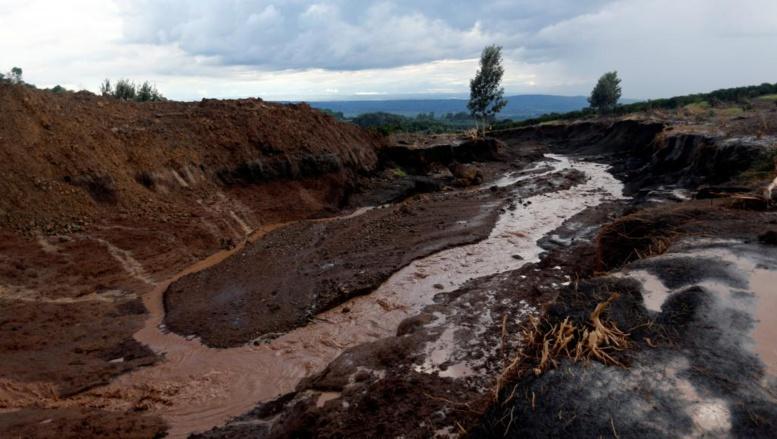 Kenya: la polémique enfle après la rupture meurtrière d'un barrage