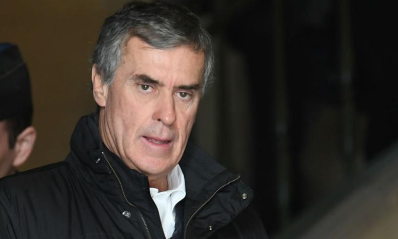 Fraude fiscale: Jérôme Cahuzac, condamné à 2 ans ferme en appel, échappe à la prison