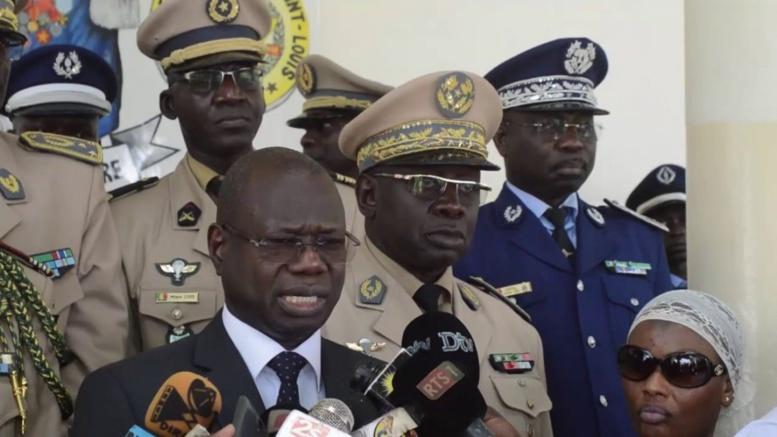 """Le ministre des Forces armées déclare Fallou Séne """"coupable"""", le ministre de l'Interieur parle de volonté divine"""