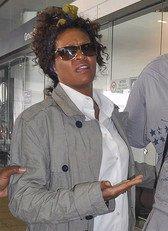 Whitney Houston : le nez dans la poudre ?