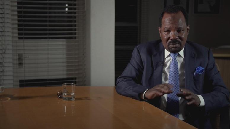 """Vidéo - L'ex-directeur de cabinet de Khadafi enfonce Sarkozy : """"il a bien reçu de l'argent..."""""""