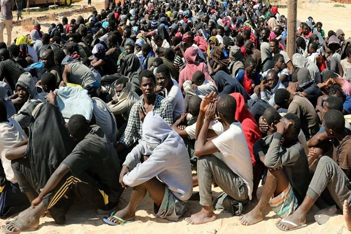 Libye: plus de 12 migrants abattus par des trafiquants après avoir fui un camp