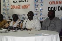 Transfert d'argent : le Renapta marche contre Orange