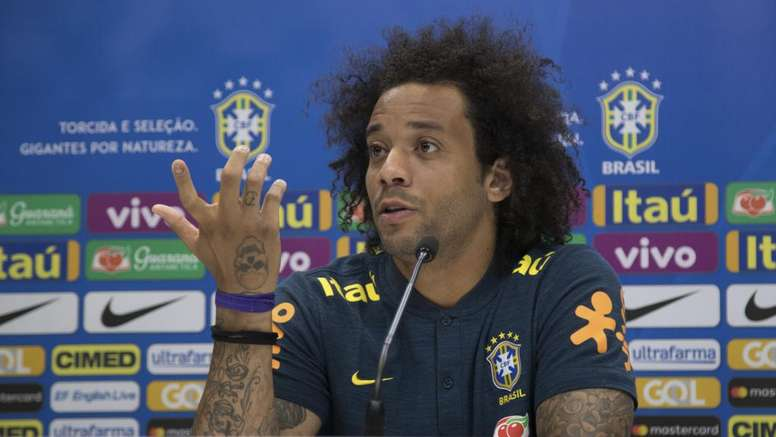 Marcelo recadre Cristiano Ronaldo et drague ouvertement Neymar
