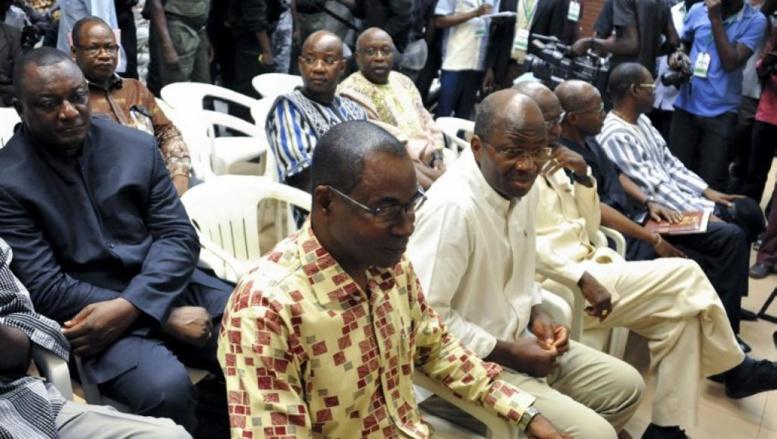 Putsch manqué au Burkina Faso: des accusés privés d'avocats, le procès suspendu