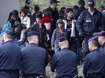 En France, manifestation contre «la xénophobie» et «la politique du pilori»