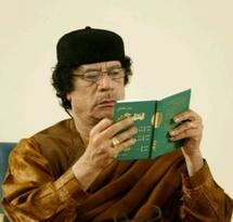 Kadhafi au Tribunal Pénal International ? : La jeunesse africaine veut des explications sur le rôle du dictateur dans la déstabilisation de l'Afrique.