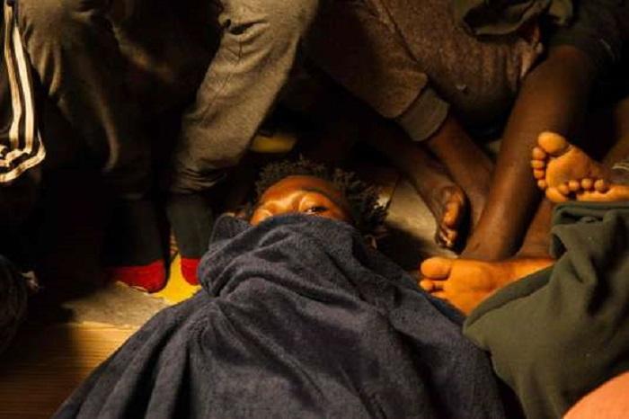 Migrants : le navire « Lifeline », qui devait rejoindre Malte, reste bloqué en mer