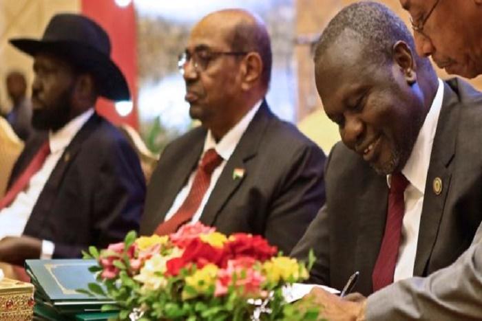 "Salva Kiir et Riek Machar signent un cessez le feu""permanent"""