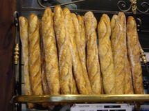 Flambée du prix du blé: L'union nationale des boulangers menace d'augmenter le prix du pain