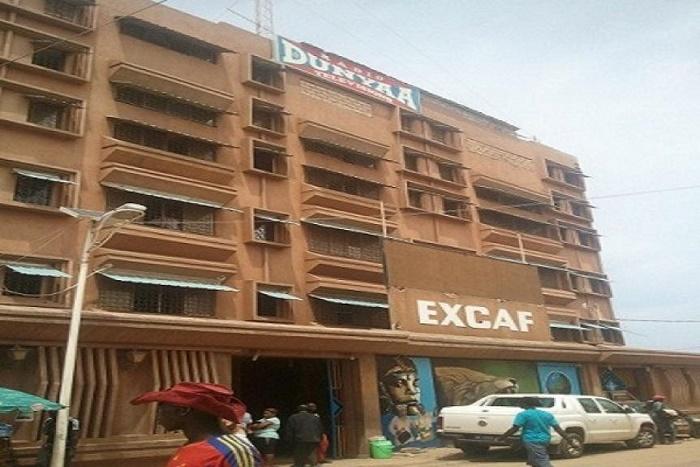 Vente aux enchères d'un immeuble d'Excaf: un mois de sursis pour les héritiers de Ben Bass