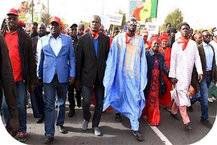 """L'opposition dans les rues ce vendredi """"avec ou sans autorisation"""" du préfet"""