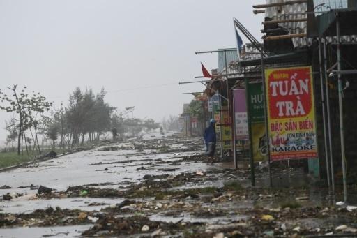 Un typhon tue une dizaine de personnes et fait plusieurs dégâts