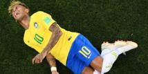 """Neymar: """"Parfois, c'est vrai que j'exagère, mais je souffre sur le terrain"""""""