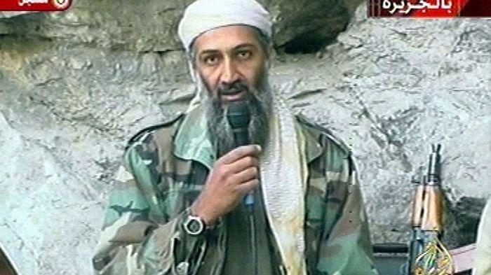 """La mère de Ben Laden témoigne pour la première fois : """"Mon fils a subi un lavage de cerveau"""""""
