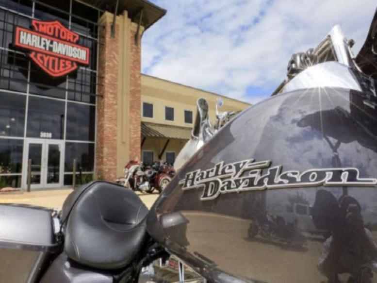 Taxes douanières: Donald Trump appelle à boycotter Harley Davidson