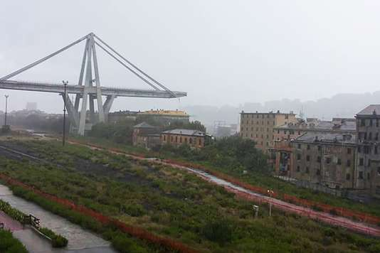 [DIRECT] - au moins 30 morts. #Genova