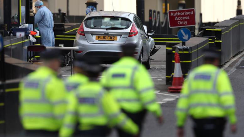 Attentat à la voiture-bélier à Londres: le suspect identifié